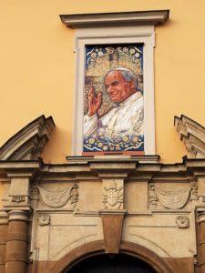 okno papieskie przy ul. Franciszkańskiej 3 w Krakowie