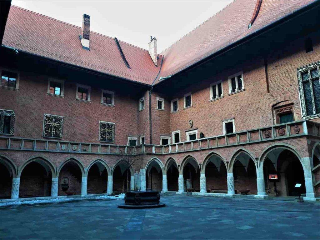 Uniwersytet Jagielloński w Krakowie dziedziniec UJ